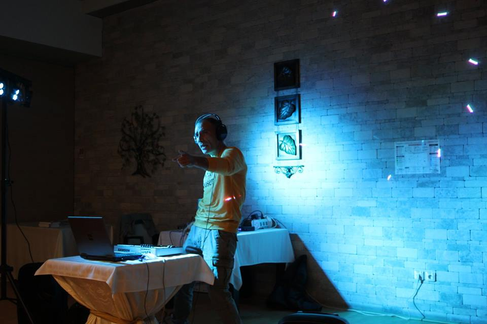 Concert de muzică spațială cu:  Adrian Chifu ( Spacers ), V.A.G.